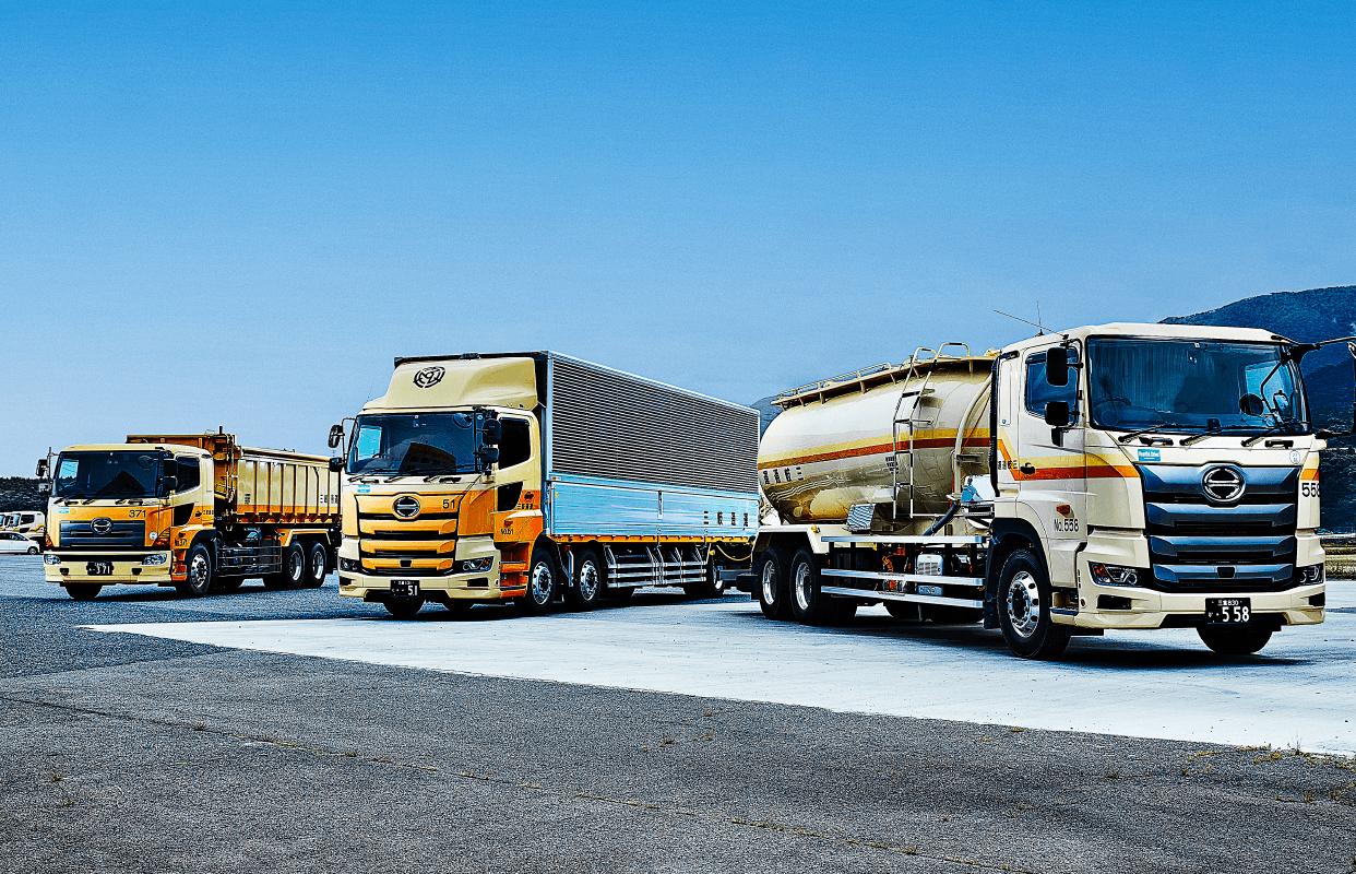 会社概要のトラックの写真